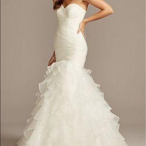 New/Unused/Unworn wedding dress $350